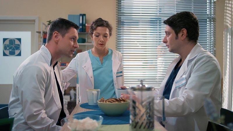Коллеги обсуждают рак у Брагина ну и дату выхода 8 сезона
