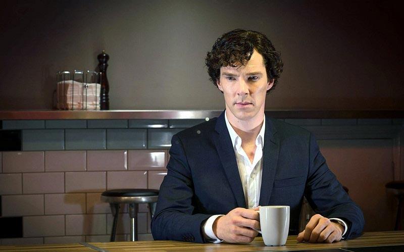 Шерлок думает о дате выхода 5 сезона