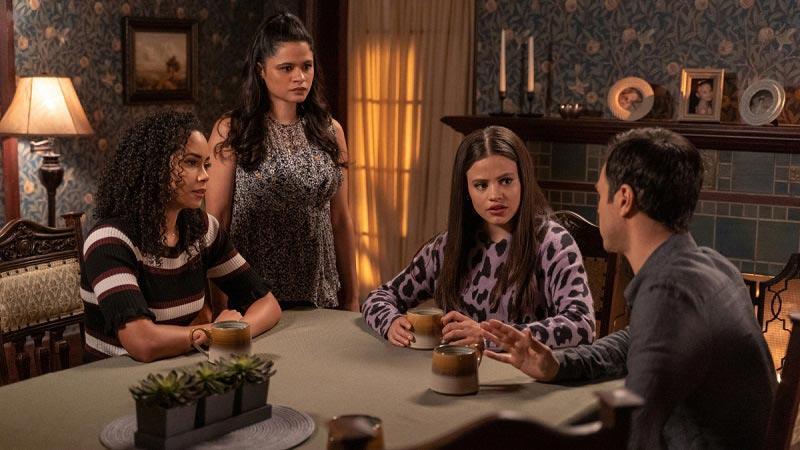 сестры обсуждают премьеру 3 сезона